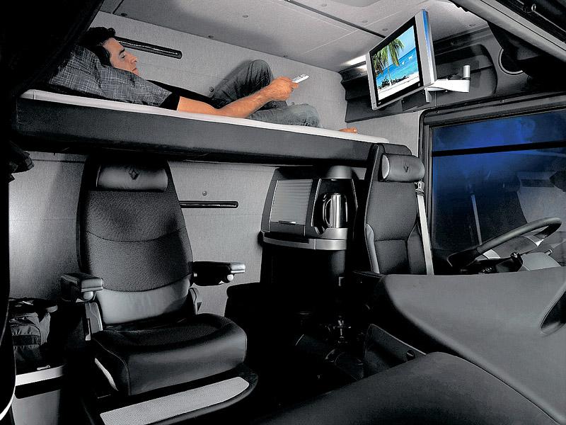 Renault trucks pagina 2 techniek renault chauffeursforum for Camion americain interieur cabine
