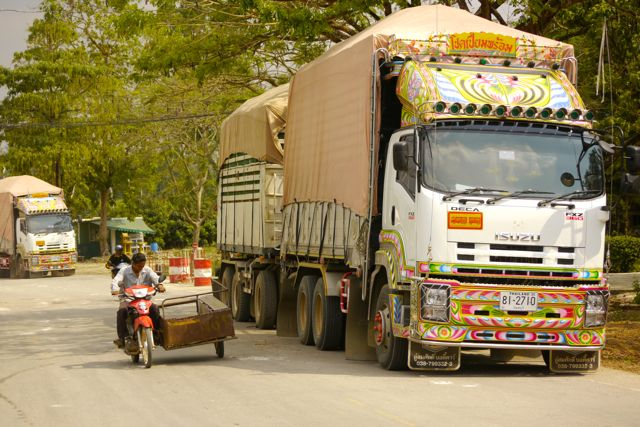 Thai truck.jpg